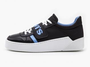 mullet v sneakers